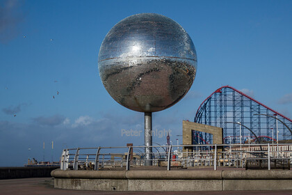 Giant-Glitterball-2 